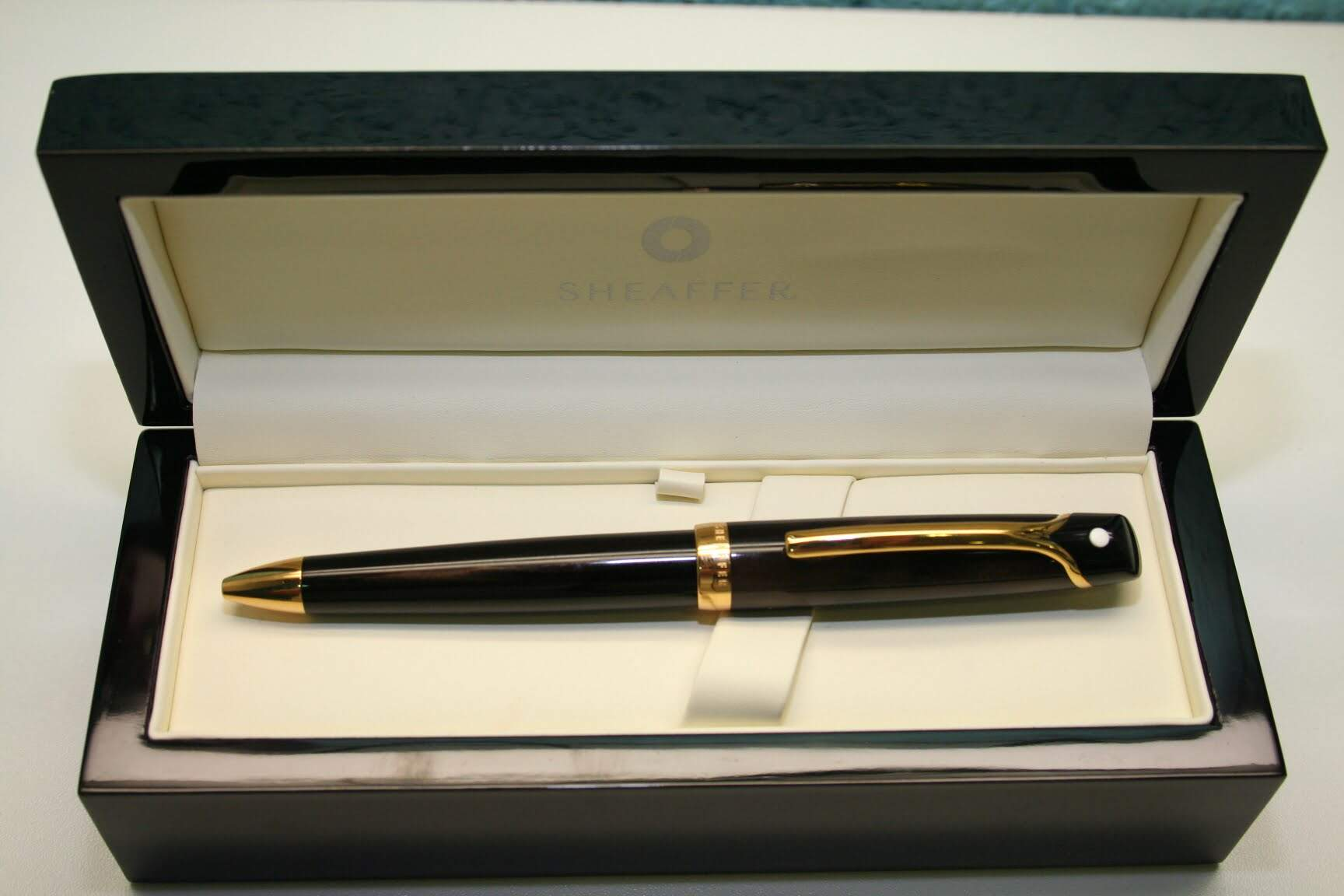 ESFERO SHEAFFER VALOR MARROM